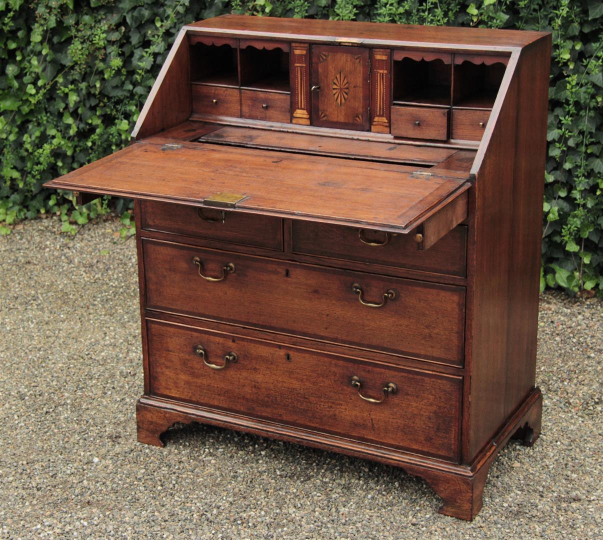 Antieke bureaus antieke bureaus antiek secretaire for Interieur engels